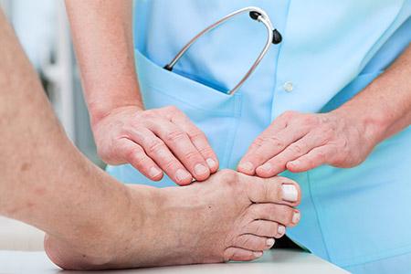 Dott. Andrea Valcarenghi: chirurgia piede – caviglia